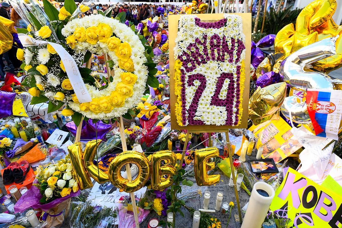 kobe-bryant-memorial-staples-center-1580749903207.jpg