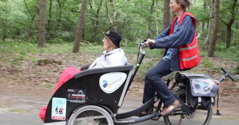 Volunteers are taking seniors out on rickshaw rides to get them into nature