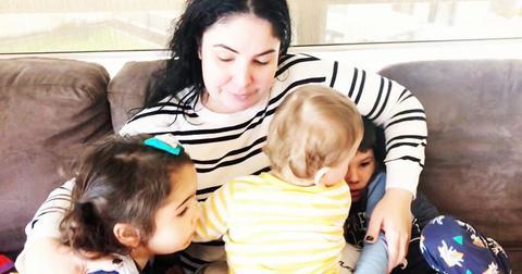 4-mom-viral-post-1573835102420.jpg