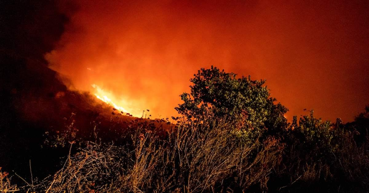 santa-barbara-wildfire-1574871409063.jpg